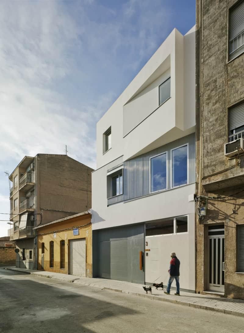 F&M House by La Errería