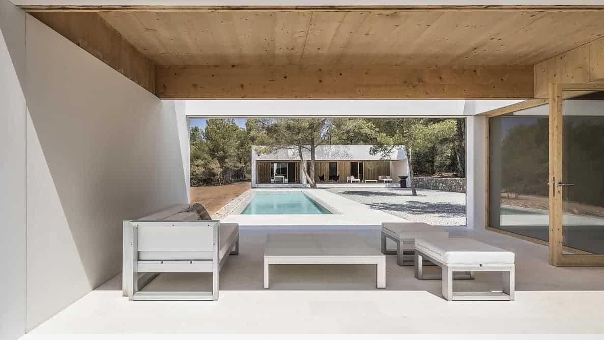 Ca l'amo House with pool by Marià Castelló Martínez – pergola