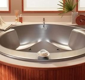 Radius Luxury Bath from Lasco