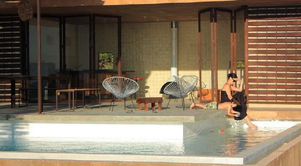 gregori-residence-beach-house-10.JPG