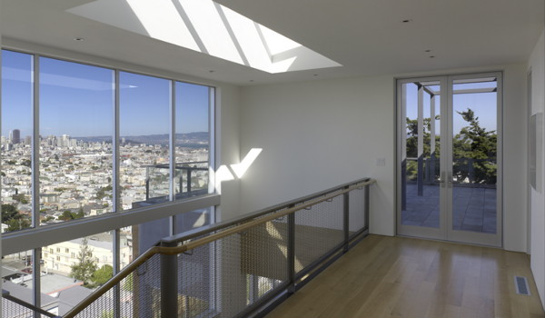 Thoughtful T House Design Overlooking San Francisco