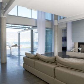 Elegant Curtain Design for a Modern Home